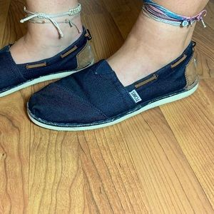 Toms brand shoes